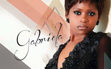 a cantora Gabriela endereçou uma mensagem de agradecimento aos seus fãs pelo acompanhamento e fidelidade que teêm para com ela