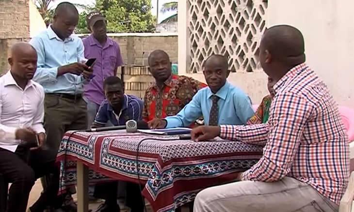 Os parentes, particularmente, irmãos e sobrinhos, consideram que Mahamudo Amurane foi traído por pessoas que estiveram próximas a si em vida.