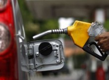 Os preços de combustíveis e outros produtos petrolíferos serão ajustados à partir de amanhã. Com o reajuste, o gás doméstico (GPL) desce dos actuais