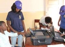 Alguns recenseadores recrutados pelo Secretariado Técnico da Administração Eleitoral na Zambézia(STAE), mostram dificuldades n manuseamento dos computadores