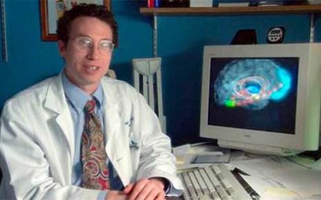 Cientista americano choca ateus ao confirmar que a oração tem o poder de curar doenças após estudar 40 mil casos!