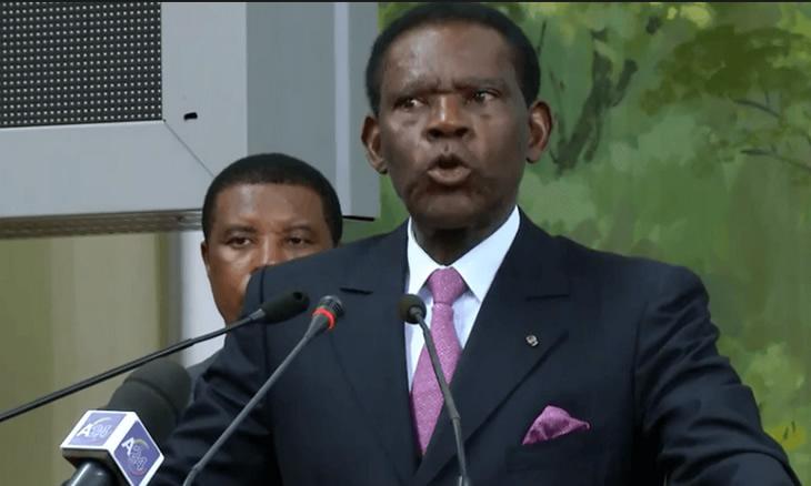 O presidente da Guiné Equatorial, Teodoro Obiang Nguema, defendeu este domingo que o seu filho e vice-presidente deve permanecer na política