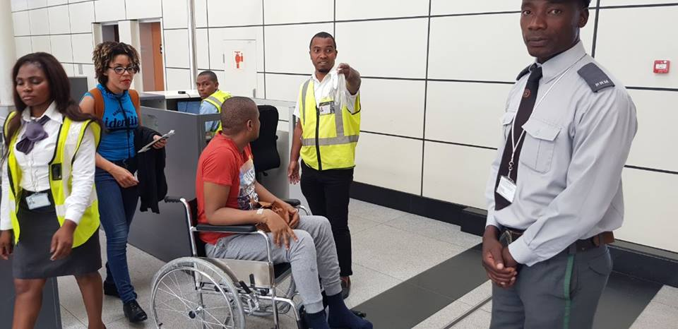 O jornalista e advogado Ericino de Salema teve de deixar Moçambique para continuar com os tratamentos fora do País, para tal