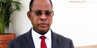 O Presidente da República, Filipe Nyusi, exonerou, esta terça-feira, Isaque Chande do cargo de ministro da Justiça, Assuntos Constitucionais e Religiosos