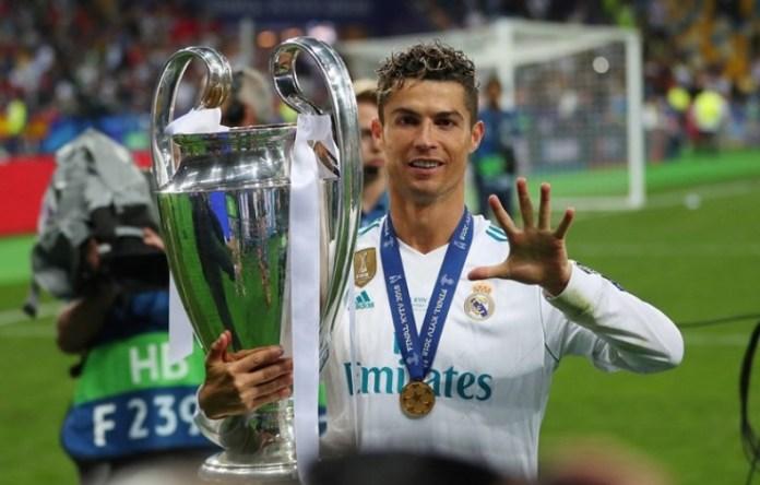 Cristiano Ronaldo admitiu este sábado, após a conquista da Liga dos Campeões, em Kiev, frente ao Liverpool, que poderia deixar a equipa do Real Madrid