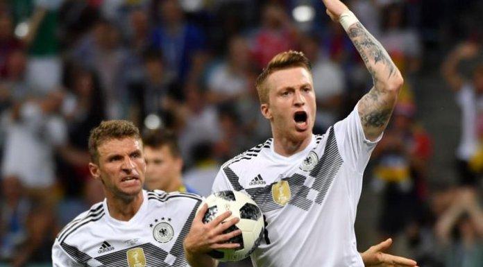 A Alemanha deu a volta ao resultado e venceu a Suécia, evitando a eliminação. Actuais campeões mundiais perderam na estreia para o México