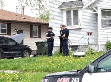 Um americano, morador de Fort Dodge, em Iowa (EUA), afirmou que foi baleado por seu cachorro quando estavam brincando, no mês passado
