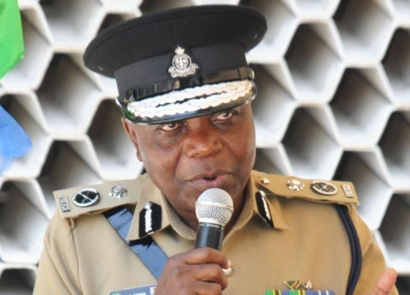 O chefe da polícia tanzaniana disse que, recentemente, 104 membros do grupo em referência foram detidos tentando chegar a Moçambique