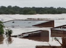 Cinco pessoas foram encontradas mortas, na manhã deste sábado 09, arrastadas pelas águas que transbordam do rio Revúbuè, que separa as cidades de Tete e a vila carbonífera de Moatize.