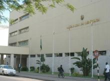 A Electricidade de Moçambique (EDM) cortou o fornecimento de energia eléctrica à Assembleia da República (AR) devido a facturas em dívida há vários meses.