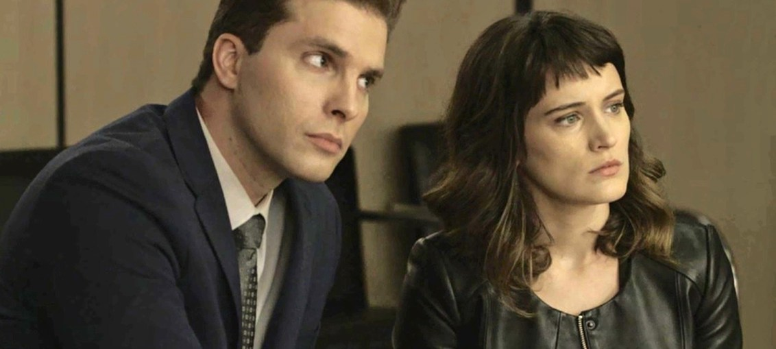Patrick (Thiago Fragoso) e Clara (Bianca Bin) em O Outro Lado do Paraíso