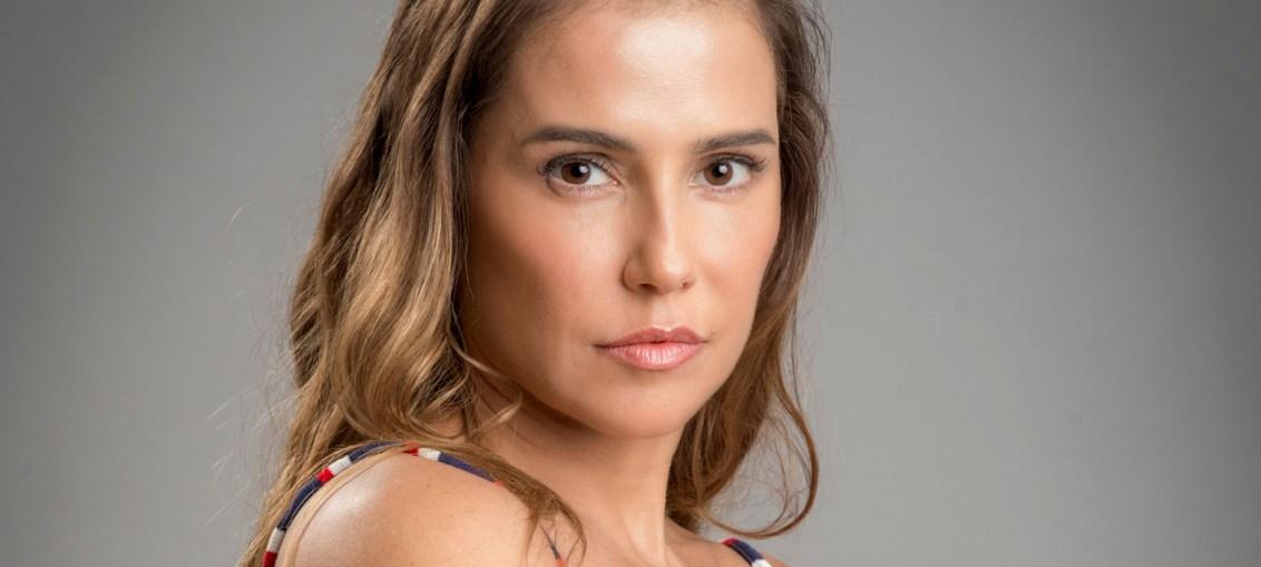 Karola (Deborah Secco) em Segundo Sol
