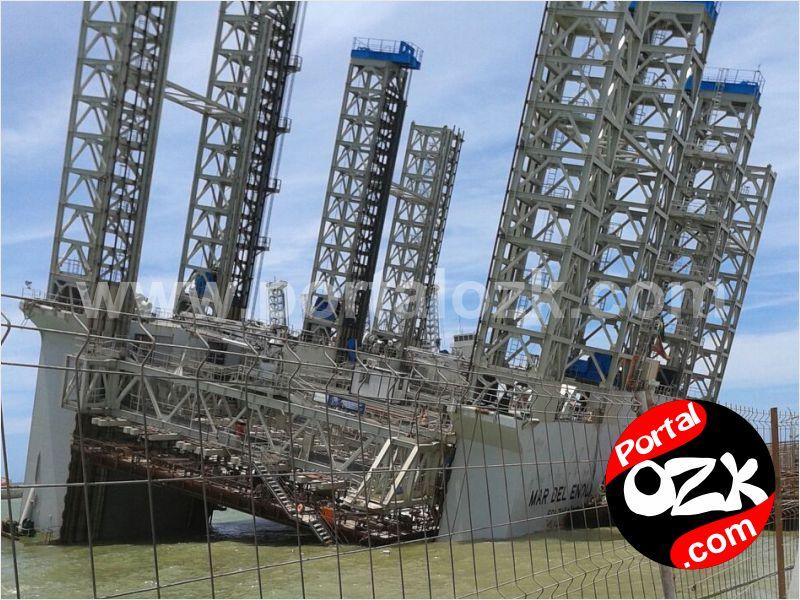 SJB_pilar_estrutura_fcc_afundando_pier_porto_acu1_pozk