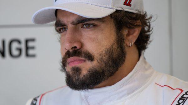 Caio Castro assina como piloto da Porsche Cup, em nova empreitada na carreira