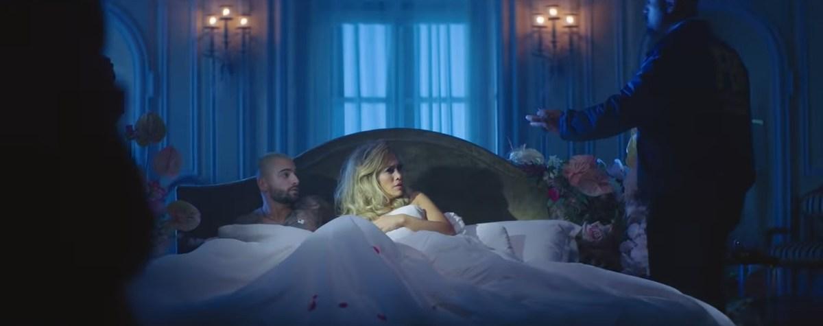 "Jennifer Lopez e Maluma lançam clipe duplo de ""Pa Ti + Lonely"""