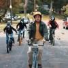"""Adam Sandler tenta desvendar um mistério na comédia """"O Halloween do Hubie"""", novo filme da Netflix"""