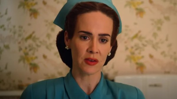 """Novo trailer de """"Ratched"""", com Sarah Paulson, é divulgado pela Netflix"""