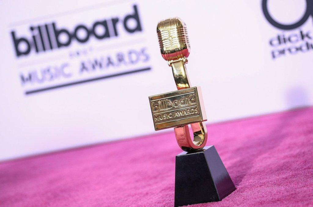 capa billboard music awards
