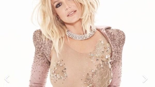 """Faixa inédita de Britney Spears tem lançamento divulgado. Confira os detalhes de """"Swimming In The Stars"""""""