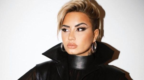 Nova era? Demi Lovato compartilha novo visual em suas redes sociais