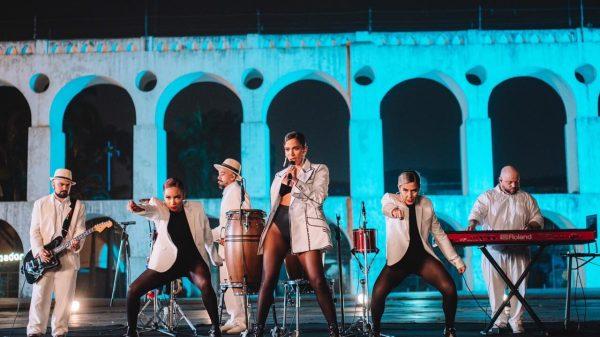 Grammy Latino 2020: Anitta apresenta 'Me Gusta', direto dos Arcos da Lapa no Rio