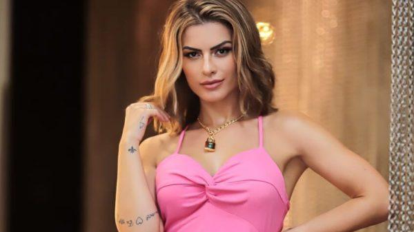 Babi Rossi apresenta live sertaneja