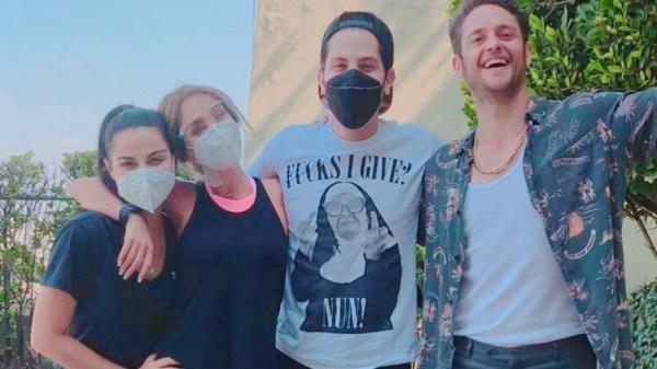 Integrante de live do RBD contrai covid-19, mas grupo mantém apresentação