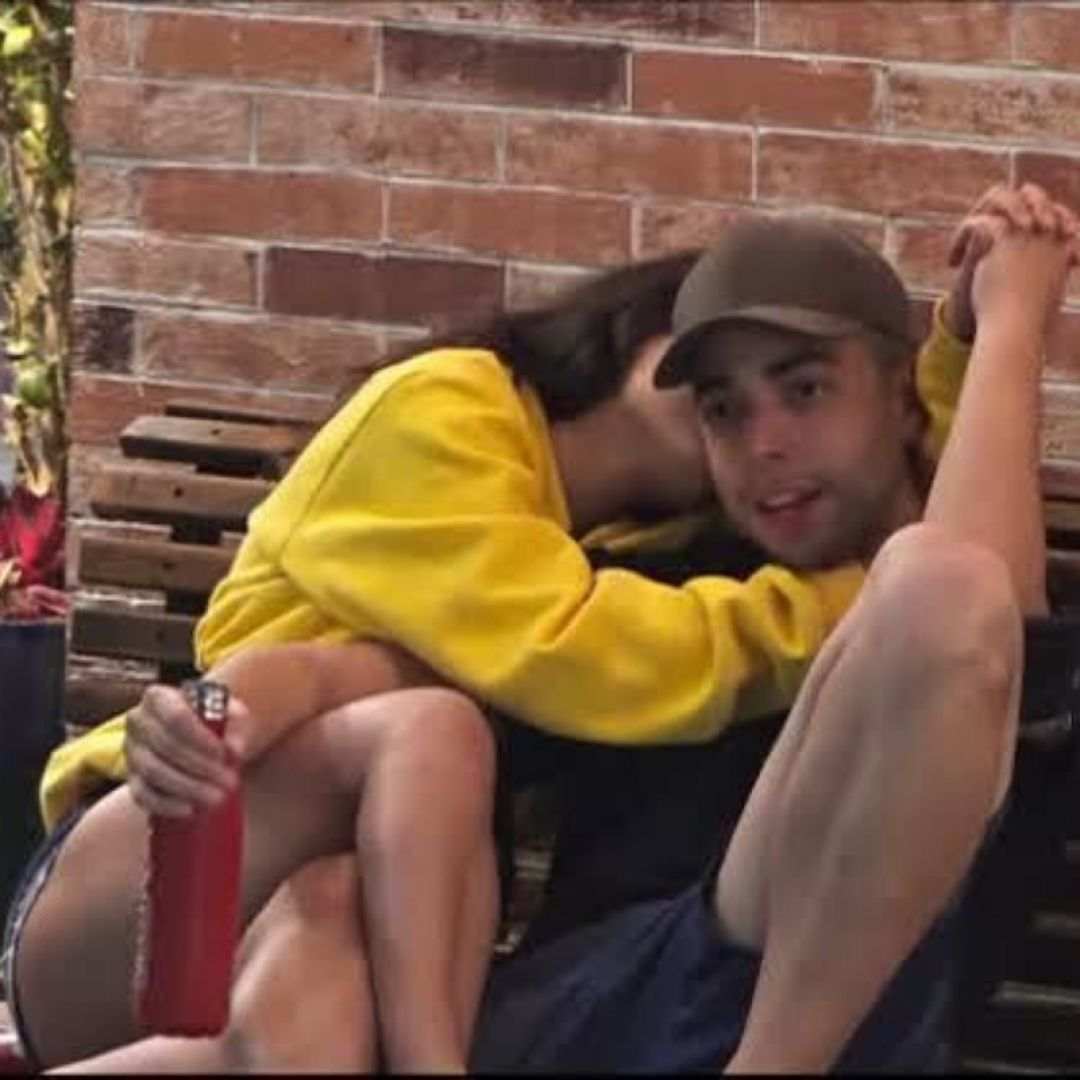 Lucas Selfie e Raissa Barbosa em A Fazenda 12 (Foto: Reprodução/Playplus)
