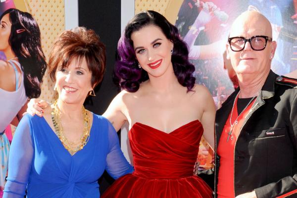 Pais de Katy Perry teriam gasto US$178 mil de instituição de caridade, diz Daily Mail
