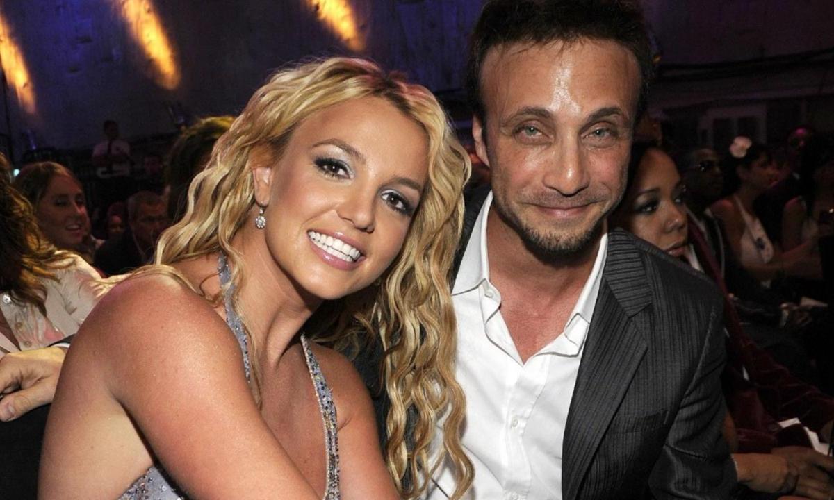 Empresário de Britney Spears pede demissão e diz que cantora quer se aposentar