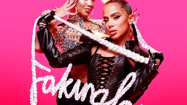 Anitta faking love