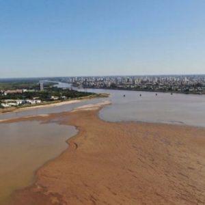 El río Paraná, en su altura más baja en 50 años