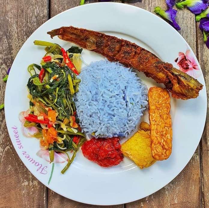 Info kuliner Menu Sehari Hari Ala @immawasis Nasi bunga telang Nasi