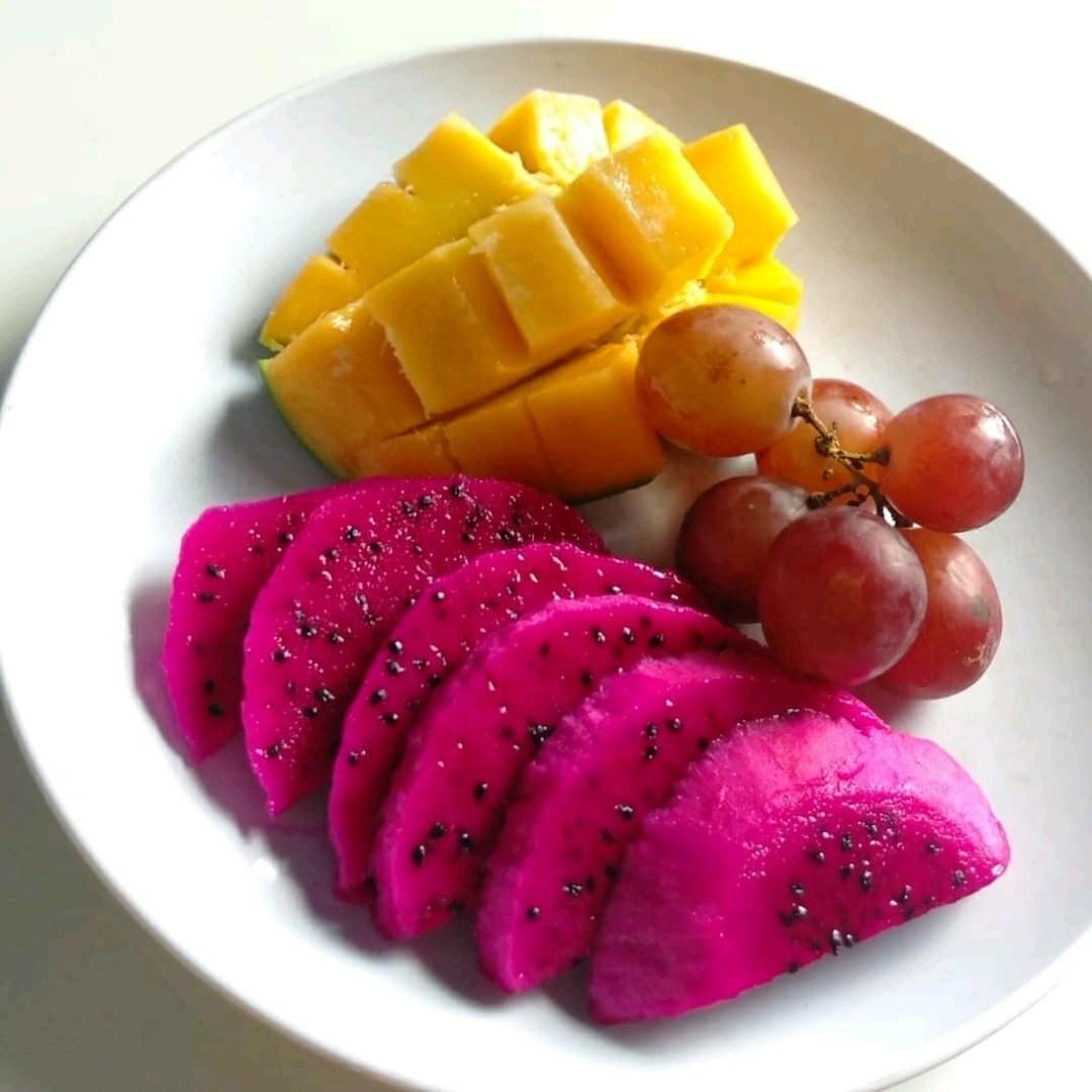 .  Sabuu sarapan buah yg lagi musim n murah meriah  .  Credit @rasti.21  #sarapa...