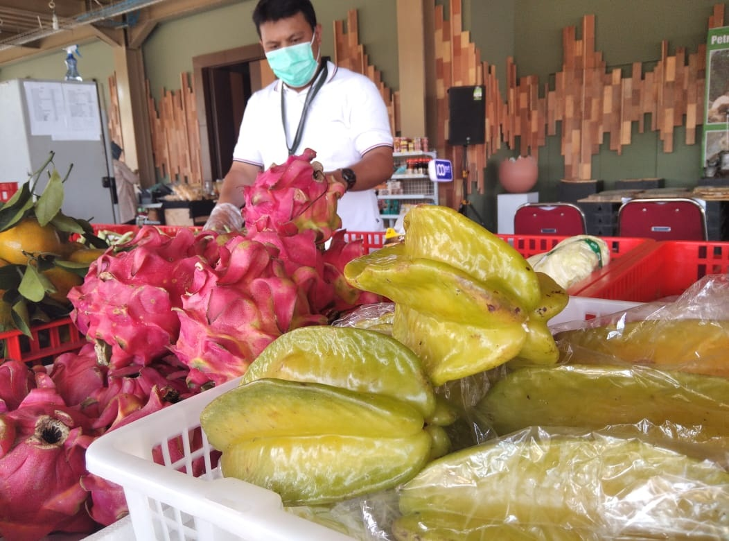 Belimbing Madu Langsung Sold Out di 100mart Fresh Market