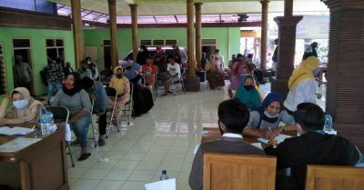Dua Ribu Buku Sertifikat Tanah, Dibagikan Warga Desa Bumiaji Melalui Program PTSL
