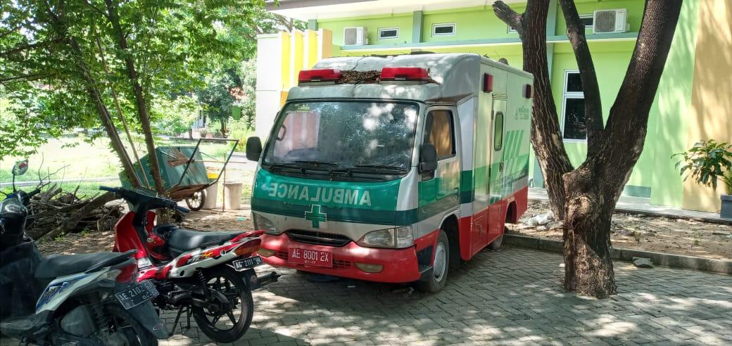 RSUD Caruban Biarkan Mobil Ambulans Mangkrak