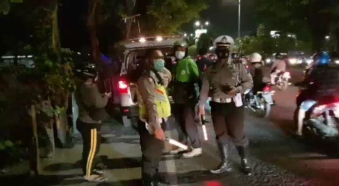 SATLANTAS POLRESTA SIDOARJO MELAKSANAN PENGATURAN LALULINTAS satlantas sidoarjo Satlantas Po