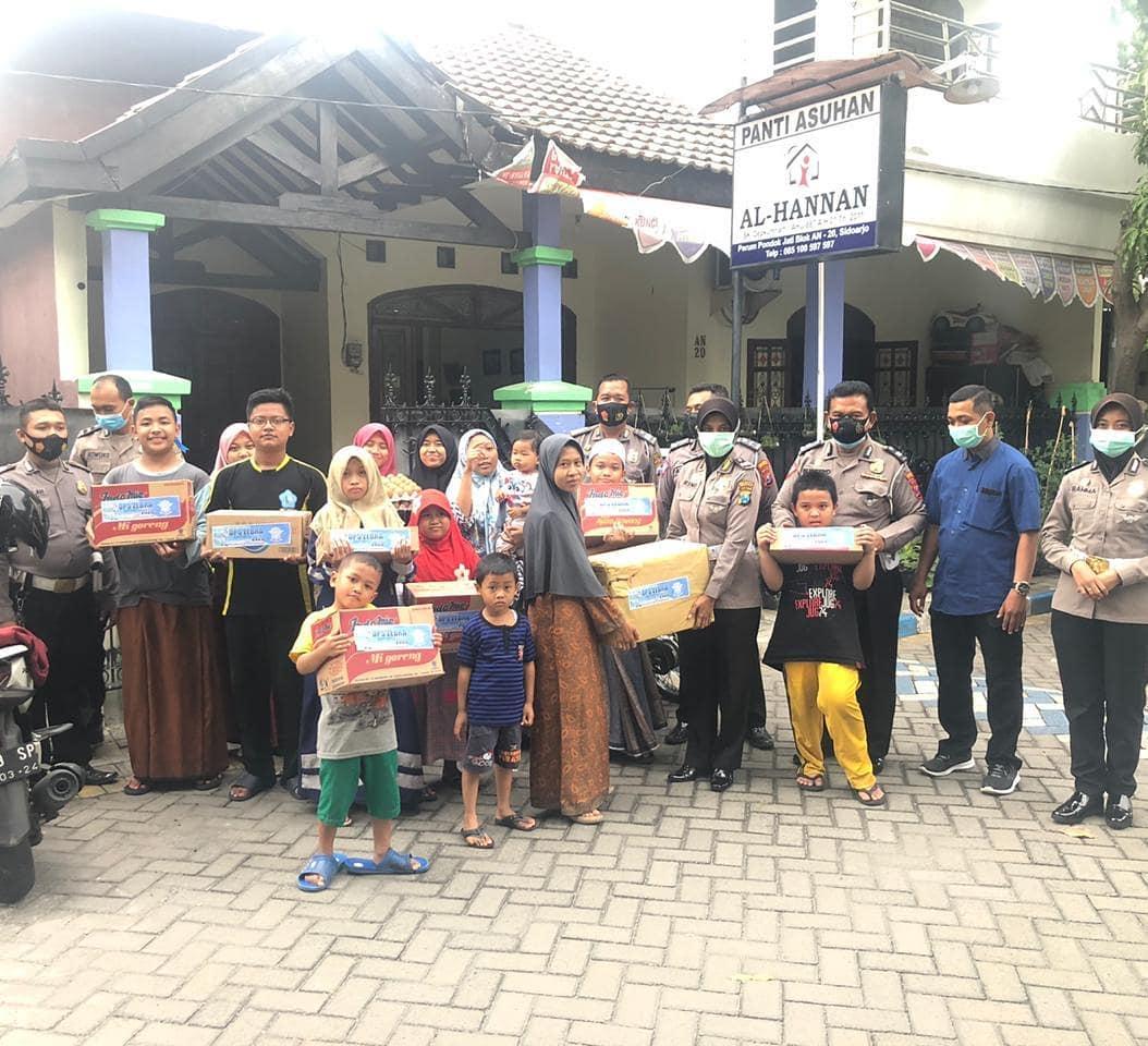 SEMOGA BAROKAH DIJUMAT BERKAH Satlantassidoarjo anggota Satlantas Polresta Sidoarjo bersama