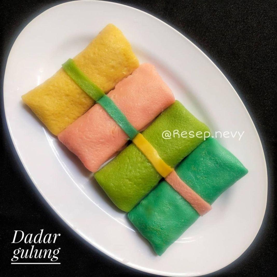 Info kuliner, DADAR GULUNG Bagus ni bundd warna dadar gulungnya  Bahan kulit : 1. Santan kara (65 ml)  2. Tel…