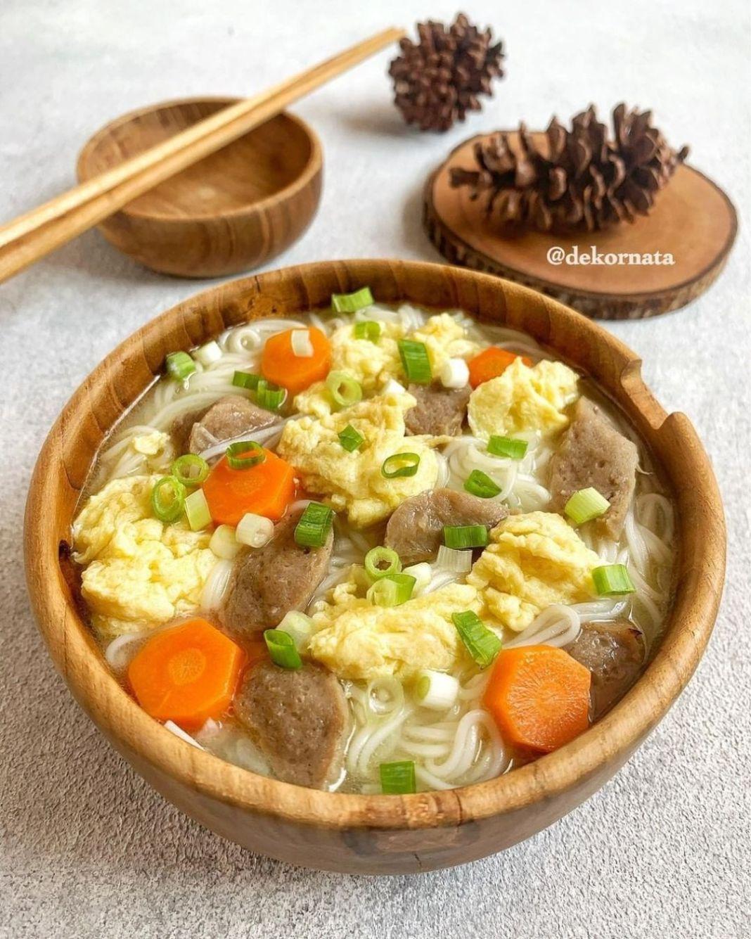 Info kuliner, Resep bikin misua kuah nih, dijamin dari anak kecil sampe orang tua bakal suka banget!  MISUA K…