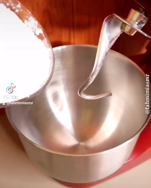 Info kuliner, untuk yang suka jajan cimol, ini nih dapat bikin sendiri di rumah, resep cimol anti meledak kreny…