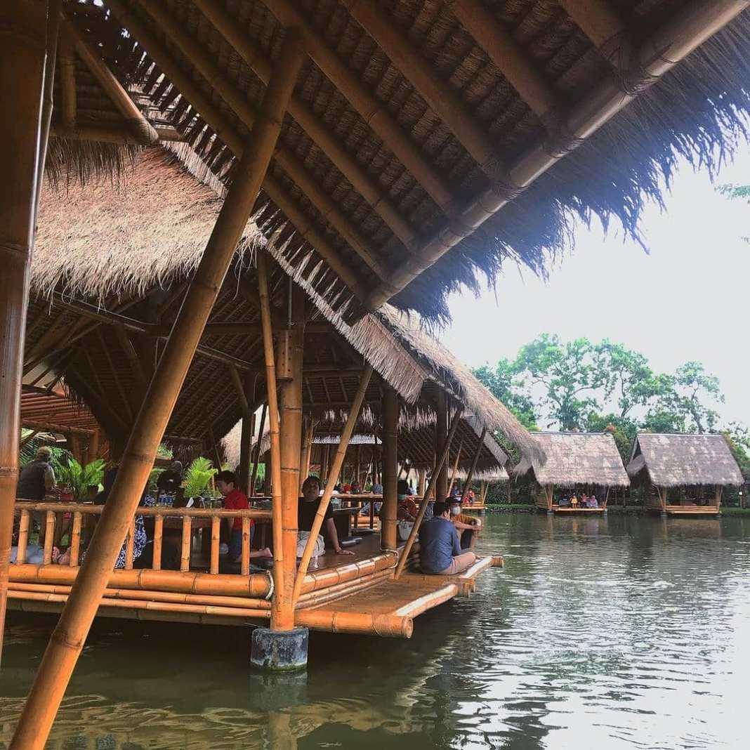 photo today by @sesabila taken at Mang engking Juanda