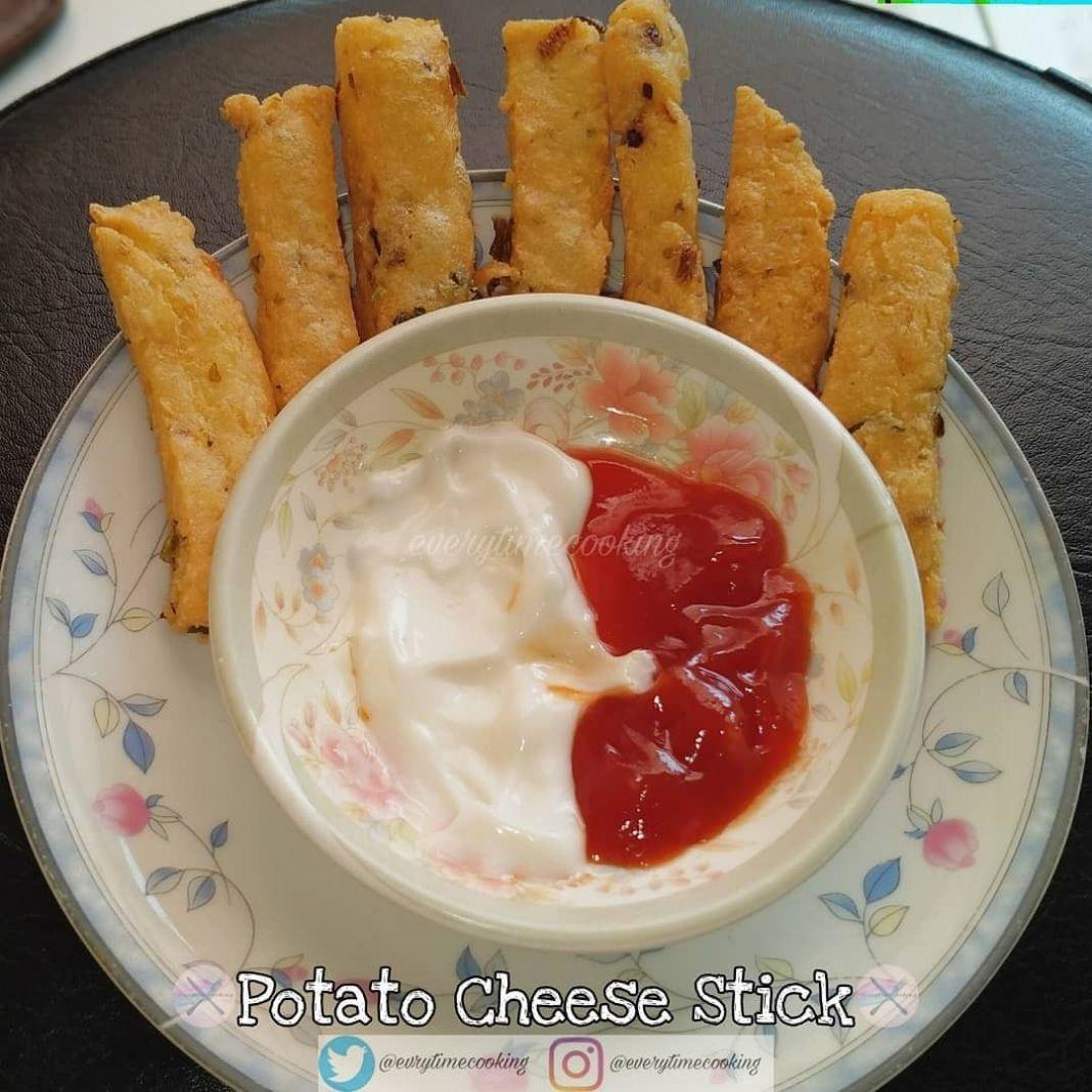 Info kuliner, Potato Cheese Stick untuk ngmil abis teraweh dapat nih  Bahan: → 350 gr kentang, kukus, haluskan …