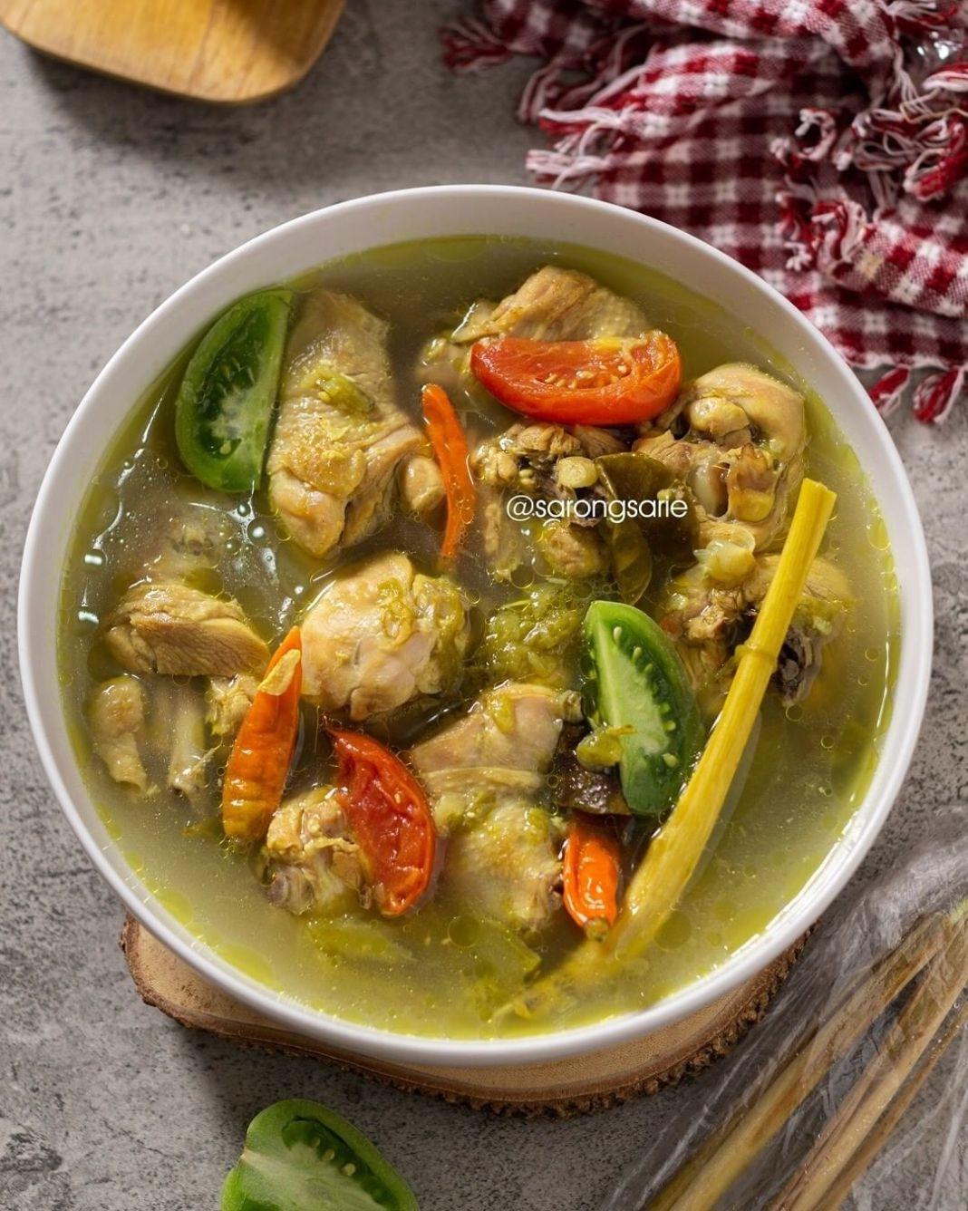 Info kuliner, Ayam Pindang Serani Anget anget bikin nagih!  Bahan: – 1 kg ayam (Saya bagian paha bawah dibagi …