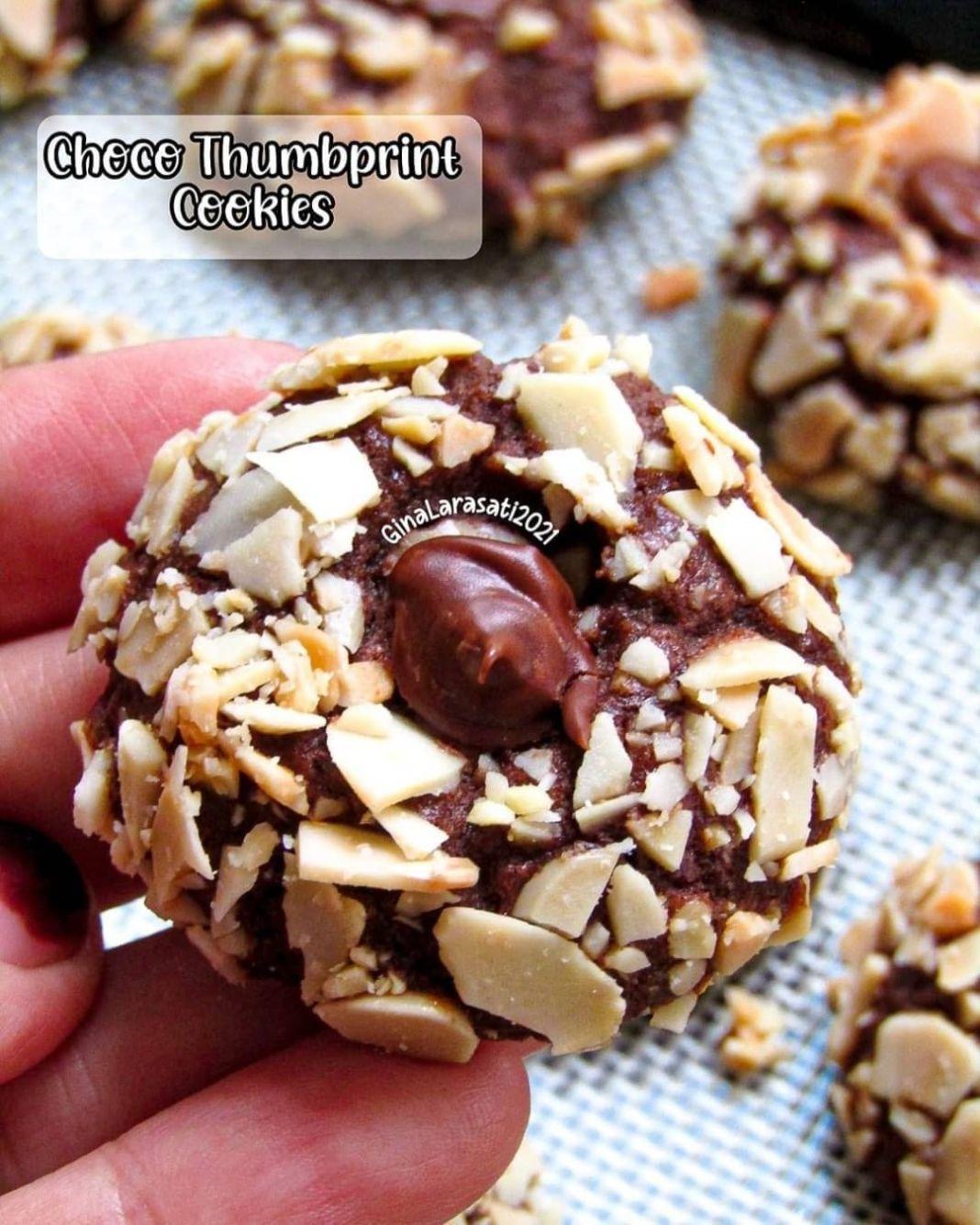 Info kuliner, Thumbprint Cookie untuk persiapan lebaran nih  Bahan: 100 gram Butter(saya pake Anchor) 50 gram …