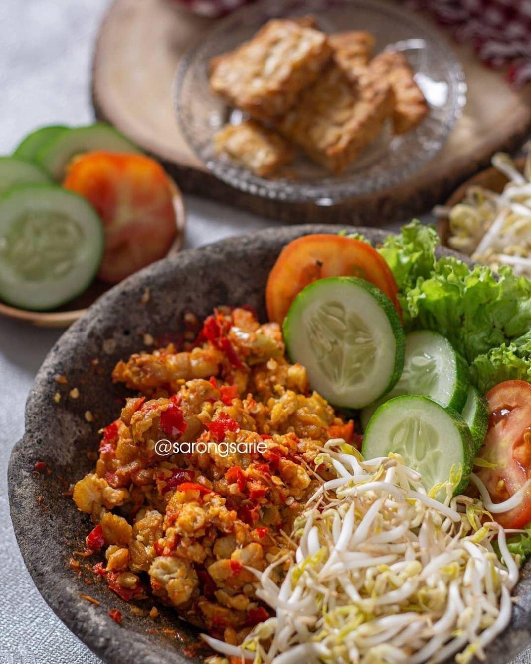 Info kuliner, Sambel Tempe Gampang banget buatnya serta enak, inspirasi masak tempe  Bahan: – 1 papan tempe, po…