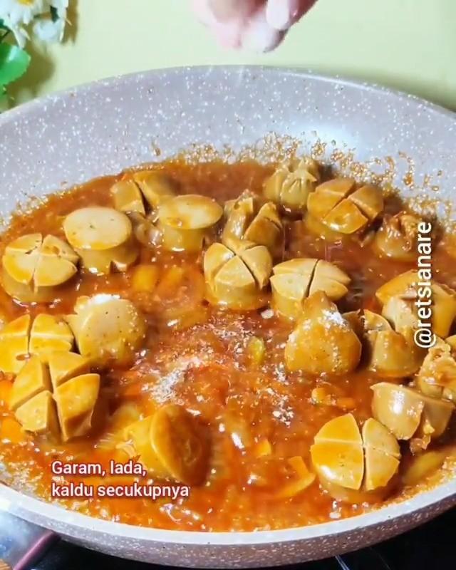 Info kuliner, Tumis Sosis Praktis serta enak banget nih menu satu ini  Bahan-bahan – 3 bh / 250 gr Sosis – 1 si…