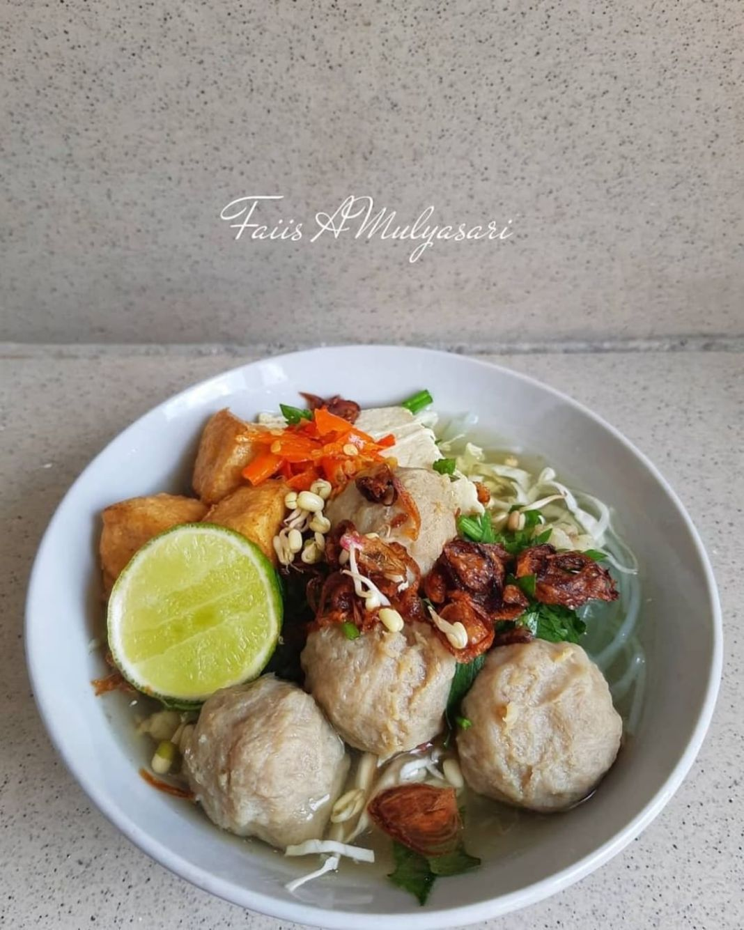 Info kuliner, HAPPY LUNCH SEMUAH  Menu makan siang kita hari ini #bakso#baksodagingserta kawan kawannya …. …