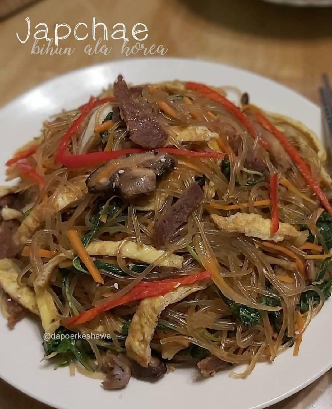 Info kuliner, japchae alias bihun ala korea..  JAPCHAE Source Youtube mrsculinary Recooķ@dapoerkeshawa  Baha…